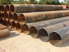 Bare Steel Pipe Sections stacked by size